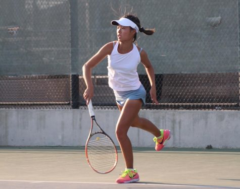 Women's Tennis firmly cruises past Granada