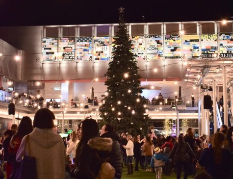 """Holiday on the Square"" lights up San Ramon's festive spirit"