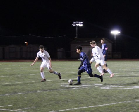 Men's Varsity Soccer achieves balanced record of 2-2 in first two league games