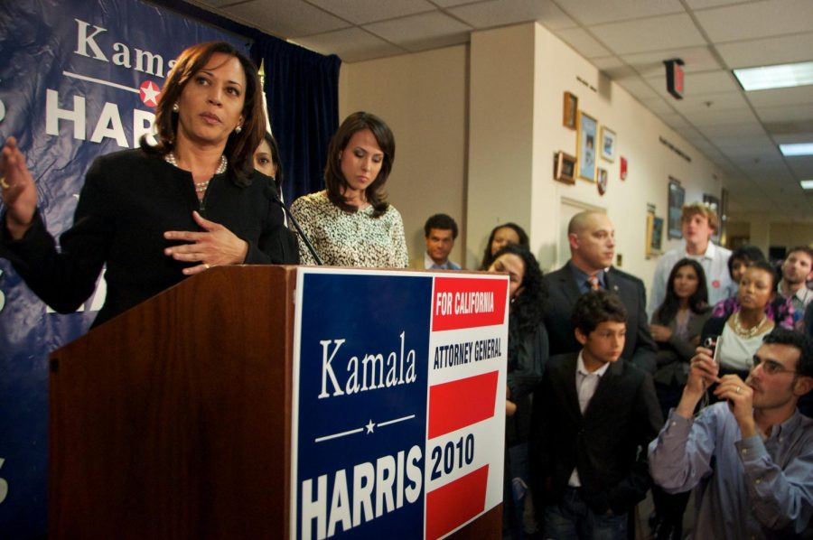 Kamala+Harris+declares+2020+presidential+candidacy%2C+joins+deep+Democratic+field