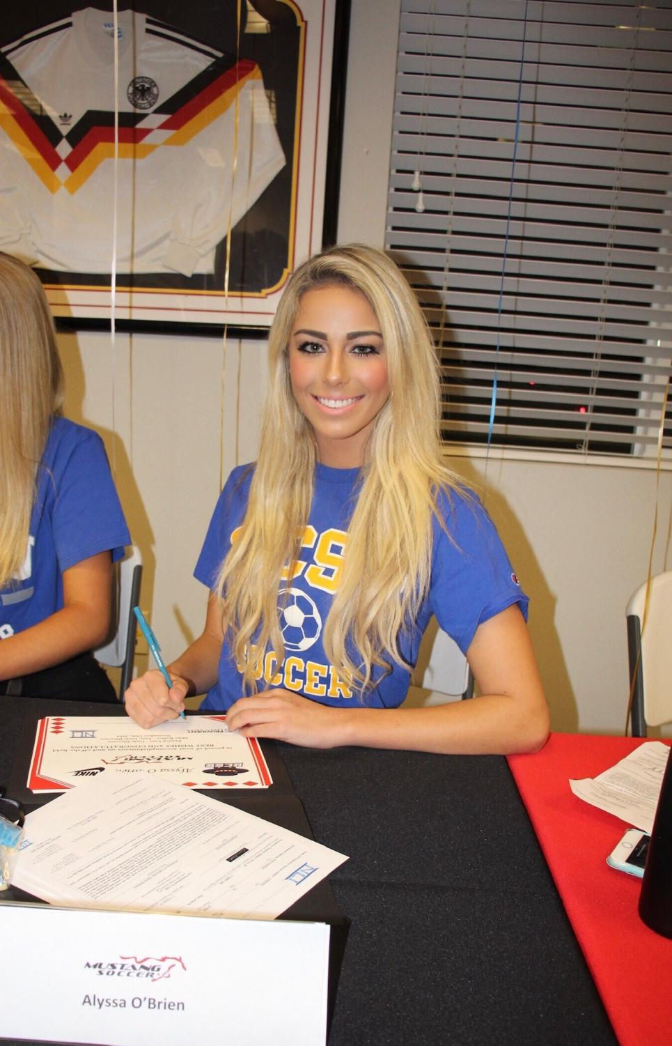 Senior Alyssa O'Brien has committed to UC Santa Barbara to play D1 soccer. She signed her national letter of intent on Nov. 14. Coming from a family with a sports background, O'Brien plans to pursue a communications major while in college.