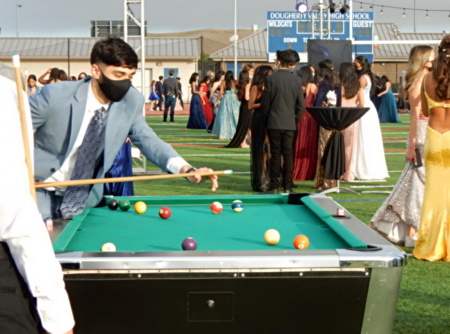 DVHS+senior+class+officers+host+prom+amidst+setbacks+by+the+COVID-19+pandemic